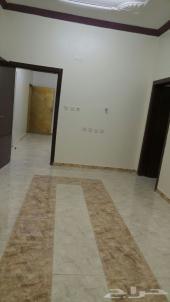غرفتين وصالة ومطبخ راكب مجددة بداية حي لبن