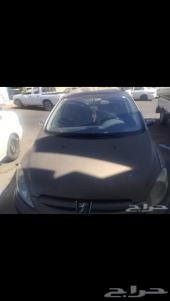 سيارة بيجو بسعر مناسب2004