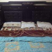غرفة نوم عصرية (مودرن) بحالة ممتازة