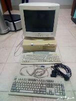 جهاز كمبيوتر قديم