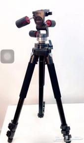 كاميرا فيديو باناسونيك مع استاند