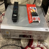 مشغل فديو قديم حجم الشريط كبير VHS