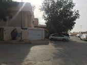 الدائرى الشرقى بين مخرجى 12 و11 بجوار المسجد