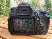للبيع كاميرا احترافية كانون D70 مع عدسة كانون