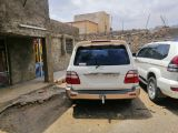 سياره في اليمن جيب 2004