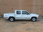 سيارة نيسان دداتسون 1992