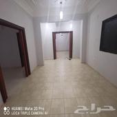 شقة نظيفة 4 غرف للإيجار بحي الصفا