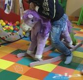حصان خشبي هزاز للاطفال