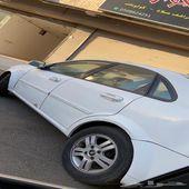 سيارة ابترا 2005 واقفه لها فتره مطوفه