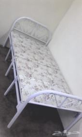 سرير مبطن متنقل