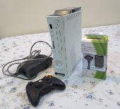 جهاز Xbox 360 للبيع ب 200 ريال