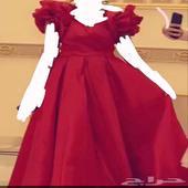 فستان احمر