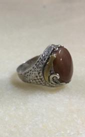 للبيع خاتم عقيق يمني والبيع مستعجل