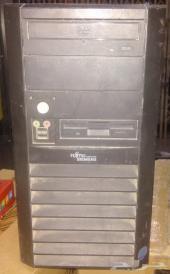 كمبيوتر مكتبي سمنس وطابعة ليزر ملونة