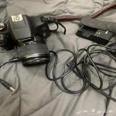 كاميرة كانون1300d للبيع مع جميع اغراضها وترايبود
