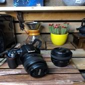 كاميرا نيكون D3100 مع عدسة 50 ملي