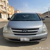 السيارة هونداي 1H الموديل 2013 القير اوتوماتيك الوقود بنزين