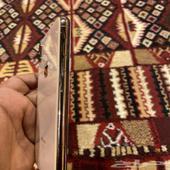 ايفون اكس اس ماكس ذهبي نظيف شبه الجديد مافك نهائيا  كامل