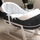 مهد او سرير اطفال مرفق معاه مرتبة و مخدة صغيرة