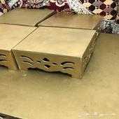 طاولة خدمة مكونه من طاولة كبيره واربع طاولات صغار  ذهبي