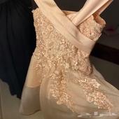 فستان جميل للبيع