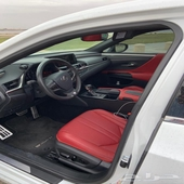 للبيع سيارة لكزس  ES350 F sport