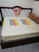 سرير مع مرتبة