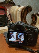 كاميرا Sony SLT-A77 للبيع مع كامل الاغراض