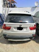 للبيع قطع غيار X5 2011 8V