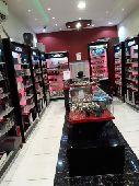 محل للتقبيل في حي العمرة الجديدة في مكه