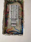 فني كهربائي تأسيس وتشطيب فلل وعماير والصيانه