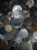 عملات معدنية متنوعة