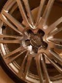 جنوط 2012  Audi A8 اصلية مقاس 20 فيها حساسات