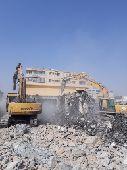 هدم المباني مجانا مقابل سكراب شغل في كل KSA