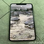 للبيع ايفون xs max 256 جيجا فضي الجهاز نظيف
