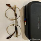 نظارة مستعملة ماركة تومي هيلفغر