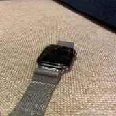 ساعة ابل الاصدار الرابع مقاس40 مكسورة