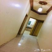 شقة للايجار في حي الندوة بالرياض 4 غرف وصالة ومطبخ و2حمام