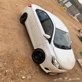 للبيع سيارة يارس تويوتا 2016