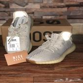 حزمة ييزي حذاء ييزي 350 و700 (اعلى جودة)