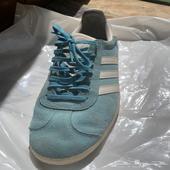 حذاء اديداس اصلي مستعمل شبه جديد ( العيساويه )