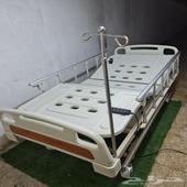سرير طبي كهربائي