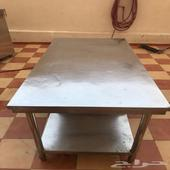 طاولة استيل