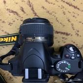 كاميرا نيكون 3200 نظيفة جدا