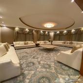 للبيع فله مساحة 3000 متر مربع دورين وملحق وضيافات خارجية