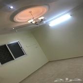 شقه للايجار حي الصيانه خلف متاجر المطار وبجوار مسجد النور