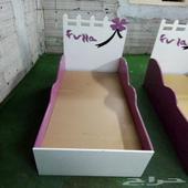 سرير أطفال مستعملة