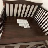 سرير أطفال جديد بحاله ممتازه