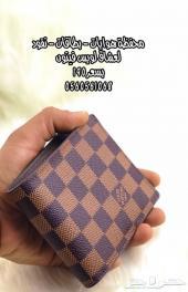 محفظة بطاقات ونقود لعشاق لويس فيتون