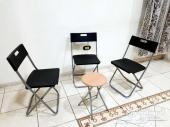 طاولة قابلة للطي مع 3 كراسي قابلة للطي وطاولة